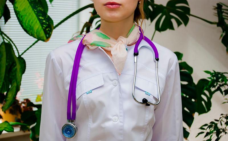 Медицинская одежда и халаты